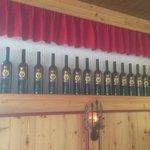 Kaiserwein Valeriehaus in Reih & Glied alle schon ausgetrunken!!