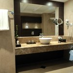 Quartz Suite En-Suite Bathroom