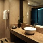 Quartz Suite En-Suite Bathroom