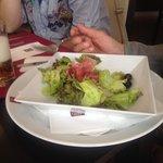 lunsj, salat. Still hungry afterwards.