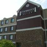 ‪Staybridge Suites Hotel Tulsa - Woodland Hills‬