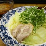 Ramen with cabbage, pork and scallions