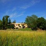 L'hôtel universitaire du mieux être est situé en pleine nature, au coeur d'un vallon