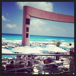 Vista do restaurante do Hotel (Piscina e praia)
