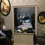 Room - TV set behind the mirror