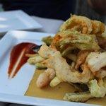 Pastella di verdure e pesce di lago