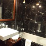 One bathroom with tub