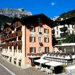 Albergo Stella Alpina Lago di Molveno Trentino esterno lato est