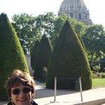 Vista da cúpula do Tumba de Napoleão ao fundo