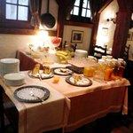 Buffet petit déjeuner au Swiss-Chalet