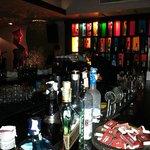 bar e palco per la musica dal vivo