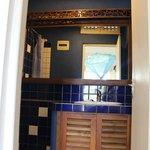 Sea View (Room 16) - bathroom