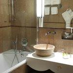 Salle de bain chambre 404