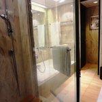 バスルームのシャワーチェア