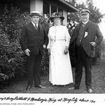 Sir Pellat with wife and Prime Minister William Lyon Mackenzie.