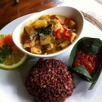 Wayan styled curry chicken with brown rice. The curry we tried in Ubud is generally watery. Nice