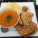 Vegetable soup with a toastie