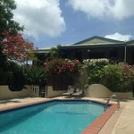 Pool House - 3 BR, 3 bath, 2 kitchens