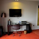 Room 967 - Yes a 2. flatscreen in front of the bed