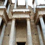 Teatro Romano - detalle de las columnas