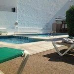 Hotel Tarba Pool