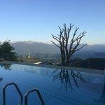 Neuer Pool mit Blick in die Berge
