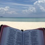 So peaceful and beautiful, i get so inspired to read and meditate..