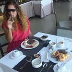 ania champagne breaky