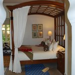 Gorgeous four poster bed