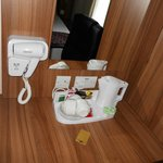 dryer , Hot water and tea/cofee