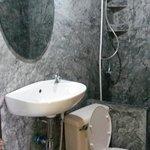 Standard Bungalow Bathroom