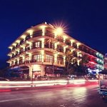 Photo de AMANJAYA Pancam Suites Hotel