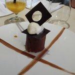Tube croustillant chocolat mangue, Glace au lait fumé