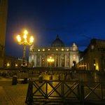 Plaza de San Pedro al anochecer, experiencia recomendada