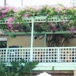 restaurant/terras van iokasti vanaf zwembad geien