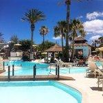 Foto general de la piscina