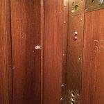 Elevator.. Quote new / il bellissimo ascensore fatiscente