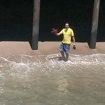 aproveitando a praia - malibu pier - caliórnia