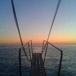 Por do sol no barco