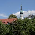 Blick auf die Pfarrkirche Aspach