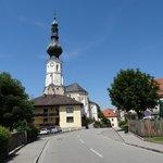 Blick auf Aspach mit der Pfarrkirche