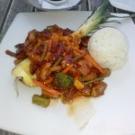 Entree sweet and sour chicken with rice and vegetables