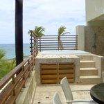 Balcony/jacuzzi