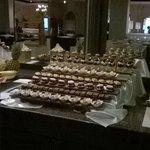enkele van de vele dessertjes