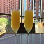 Sunday champagne brunch at the buffet