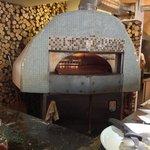Pizzeria oven