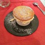 Menu a 38€ entree assiete de la mer plat bar avec sauce de langoustine. Dessert soufler au grand
