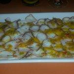 Carpaccio de pulpo con vinagreta de verduras y gengibre