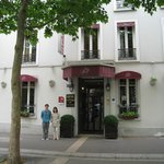 Entrance to Hotel de la Porte Doree