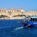 took the ferry to Valletta...ferries are cheap & fun!
